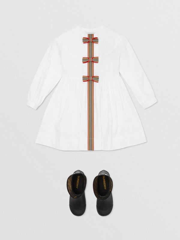 Icon Stripe Trim Stretch Cotton Poplin Dress in White | Burberry United Kingdom - cell image 2