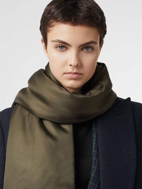Two-tone Silk Puffer Scarf in Dark Olive | Burberry - cell image 3