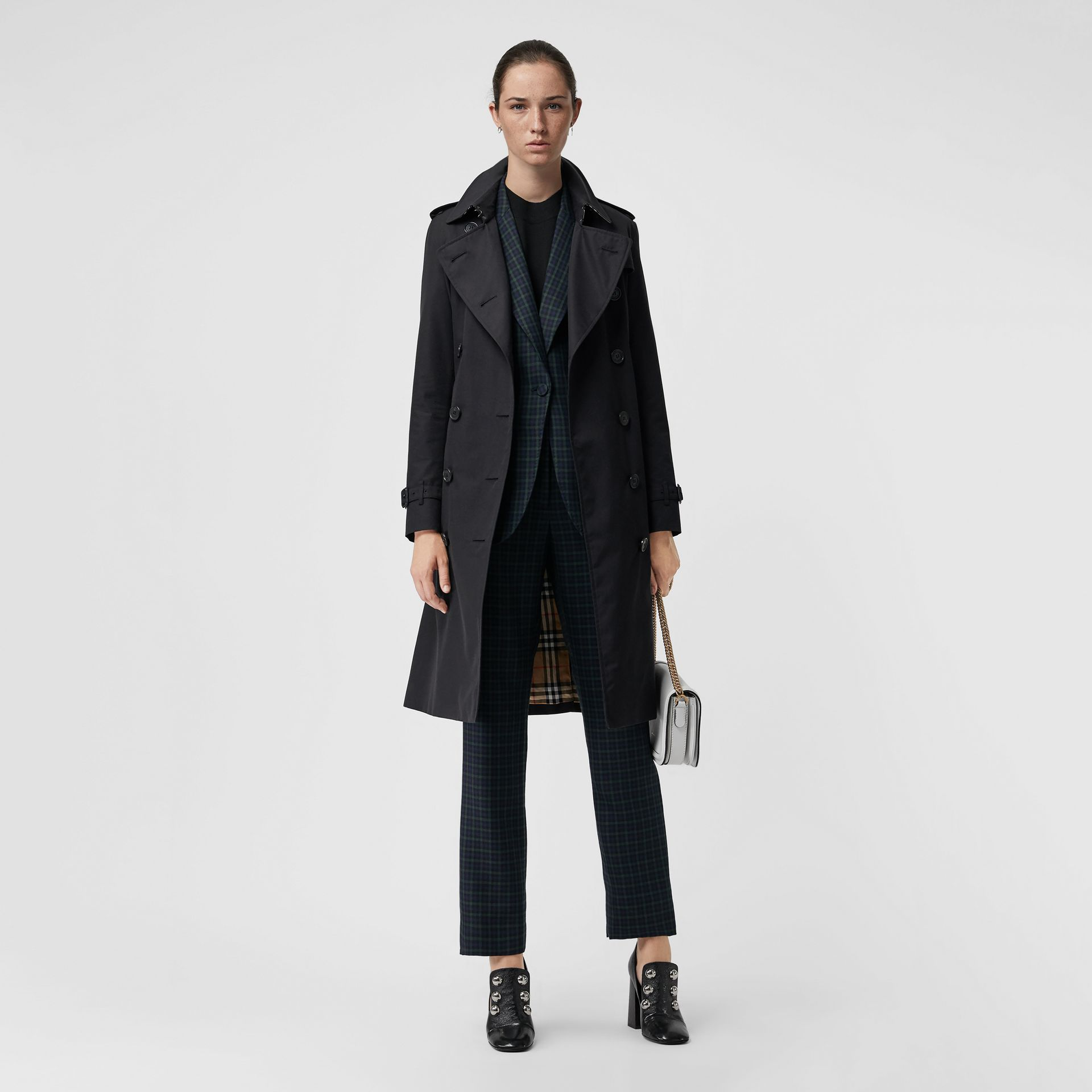 The Long Kensington Heritage Trench Coat in Midnight - Women | Burberry Singapore - gallery image 6