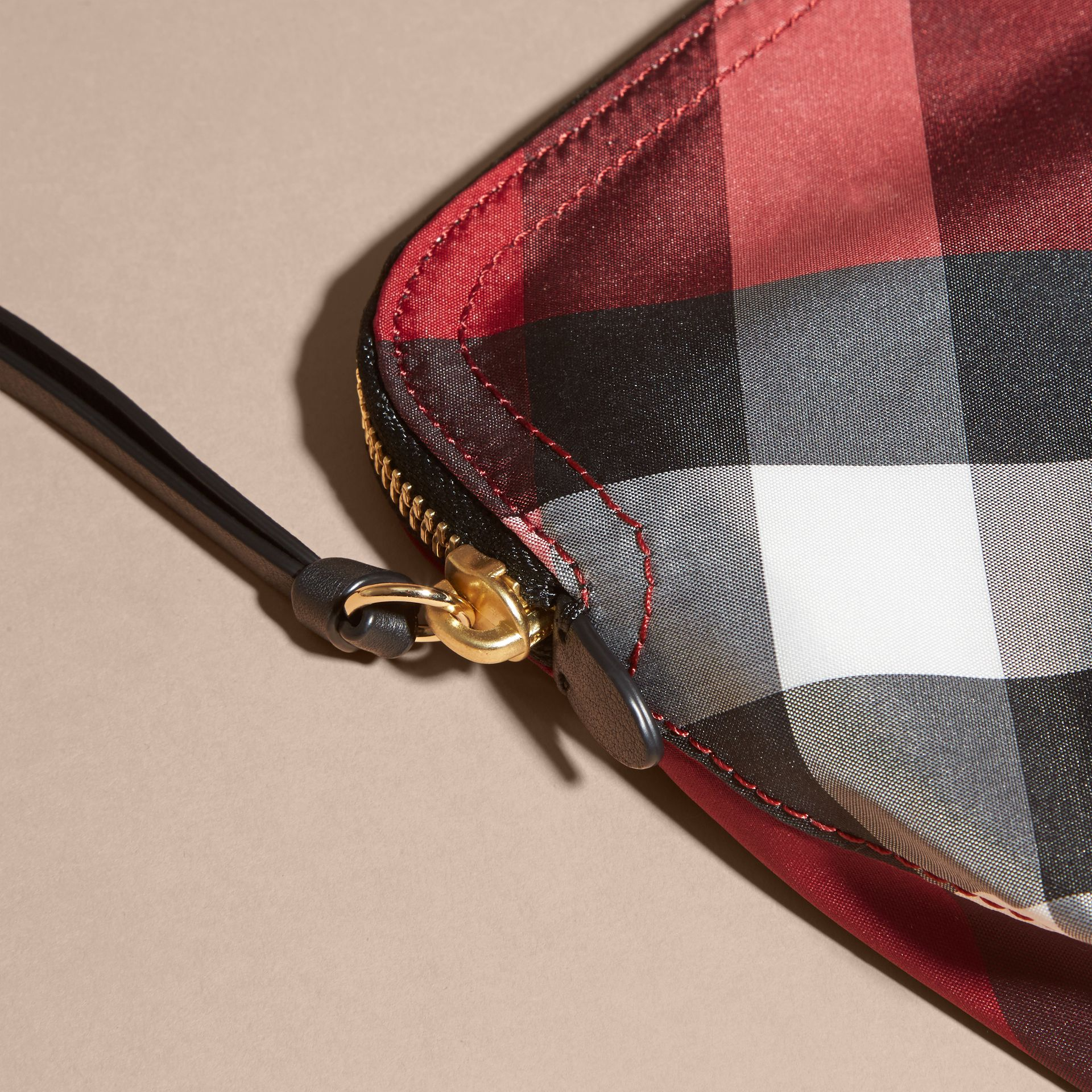 Medium Zip-top Check Technical Pouch Parade Red - gallery image 2