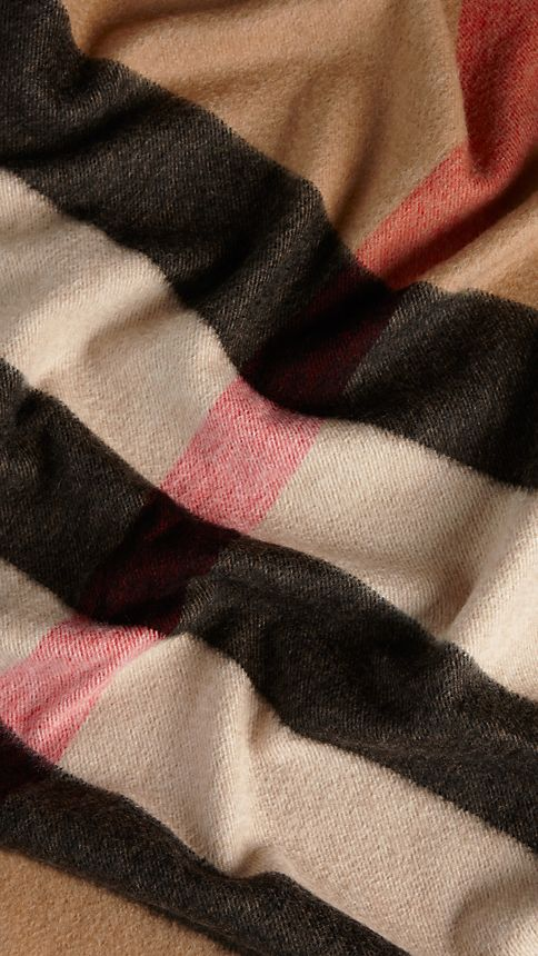 Camel check Check Cashmere Blanket - Image 4