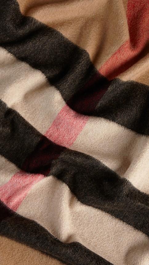 Camel check Check Cashmere Blanket Camel - Image 4