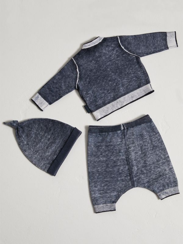 Cashmere Cotton Three-piece Baby Gift Set in Navy | Burberry United Kingdom - cell image 3