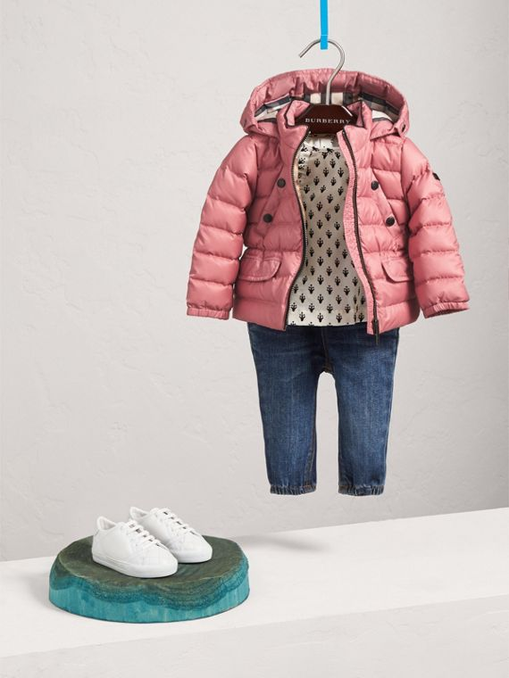 Shower-resistant Hooded Puffer Jacket in Pale Rose