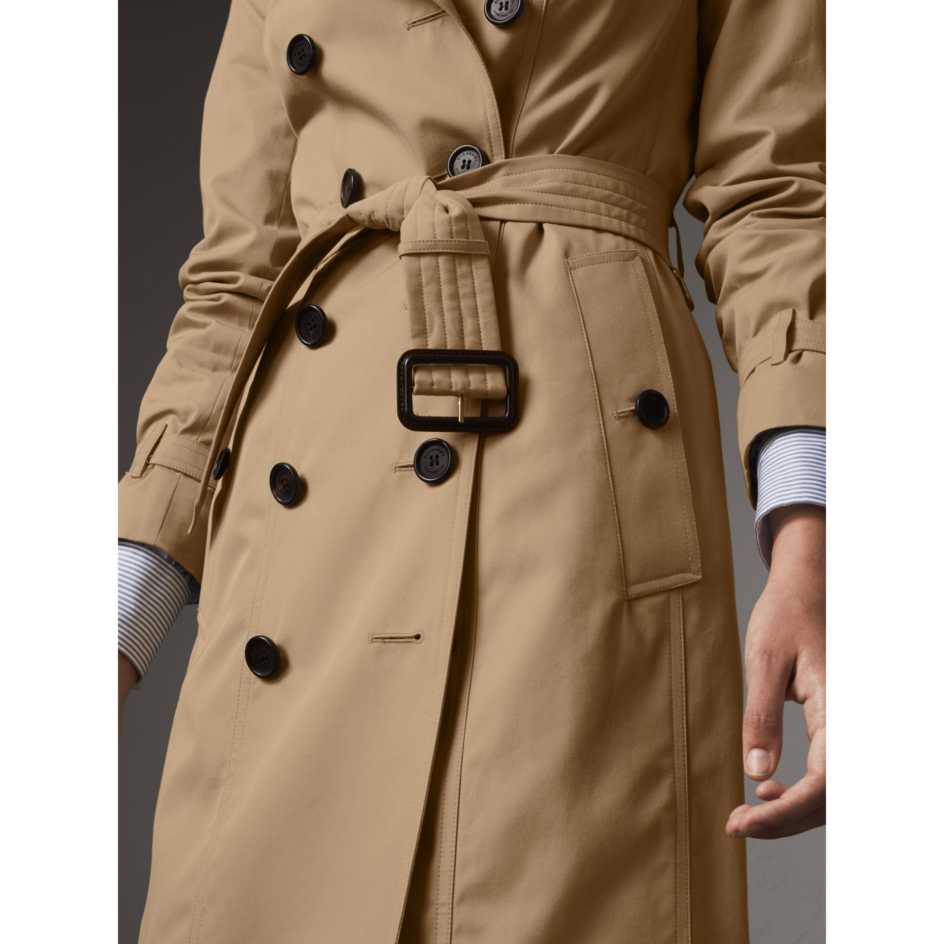 The Sandringham – Long Trench Coat in Honey - Women | Burberry - gallery image 6