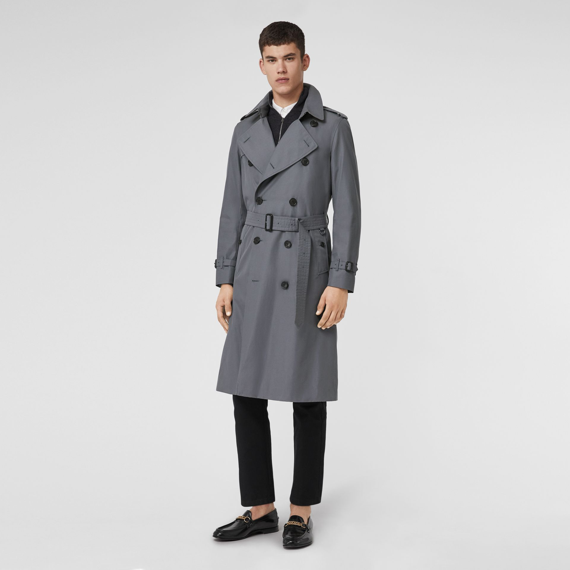 The Long Chelsea Heritage Trench Coat in Mid Grey - Men | Burberry Canada - gallery image 0