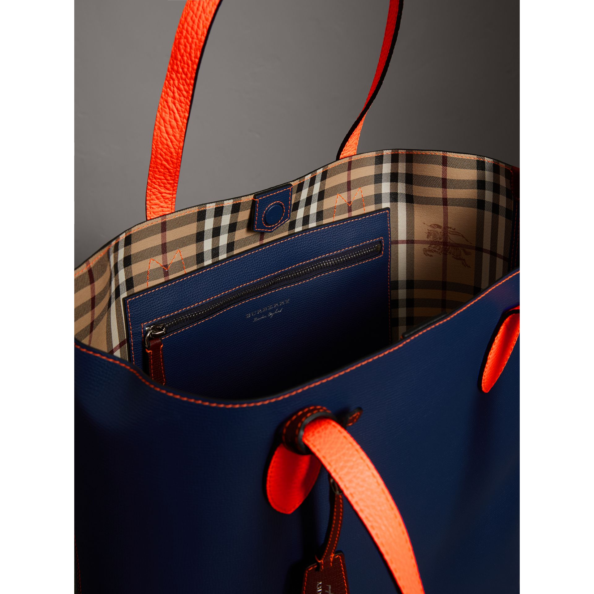 Medium Two-tone Coated Leather Tote in Dark Ultramarine | Burberry Australia - gallery image 4