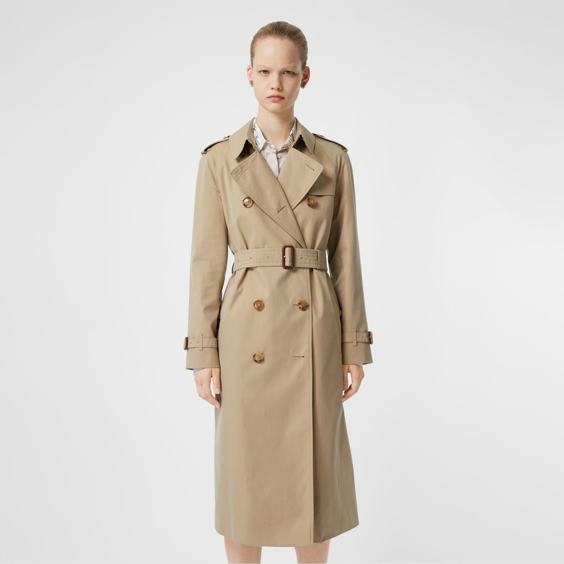 The Waterloo Heritage Trench Coat in Honey - Women | Burberry - gallery image 7
