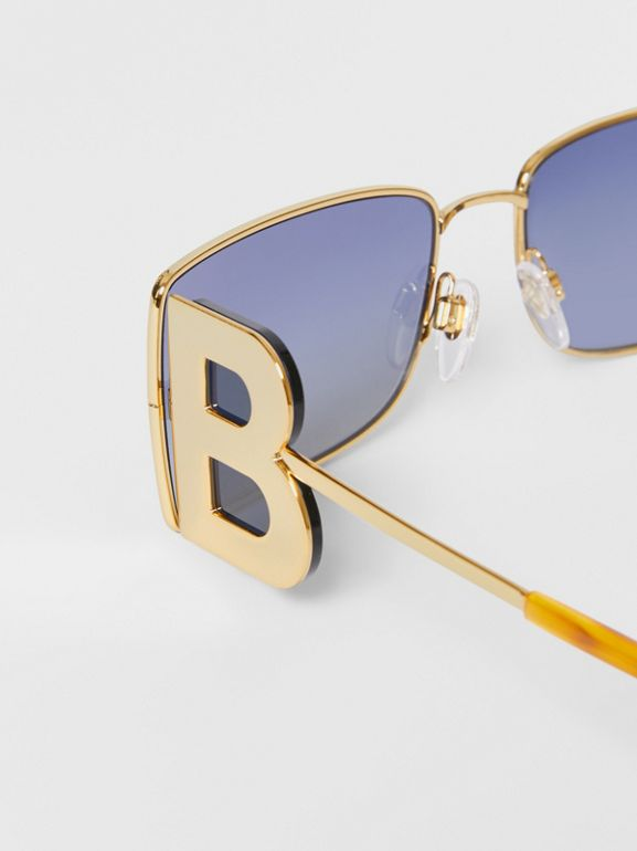 'B' Lens Detail Rectangular Frame Sunglasses in Amber Tortoiseshell - Women | Burberry - cell image 1