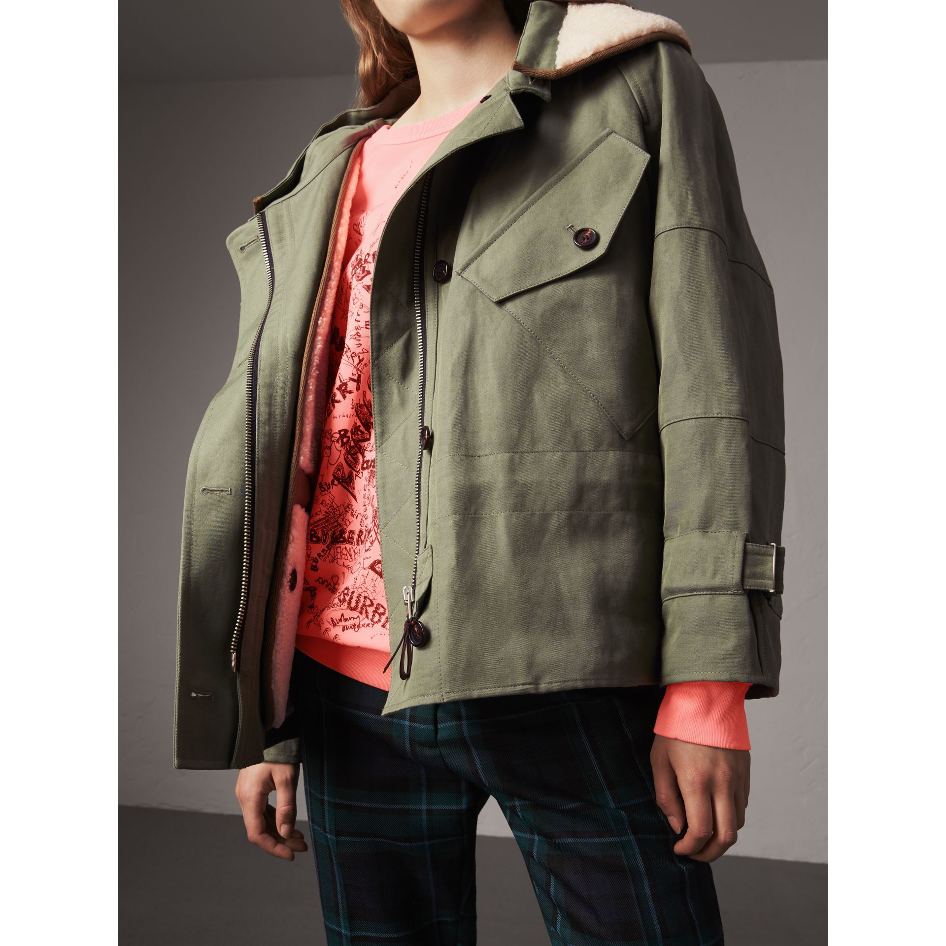 Ramie Cotton Jacket with Shearling Warmer in Slate Green - Women | Burberry - gallery image 4