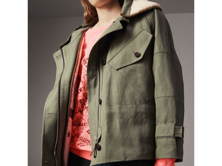 Ramie Cotton Jacket with Shearling Warmer in Slate Green - Women | Burberry United Kingdom - cell image 4