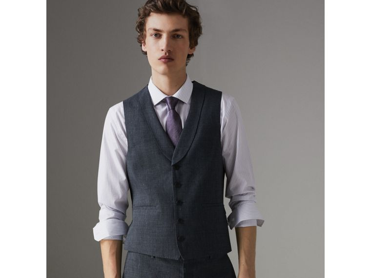 Soho Fit Linen Wool Three-piece Suit in Pale Slate Blue - Men | Burberry - cell image 4