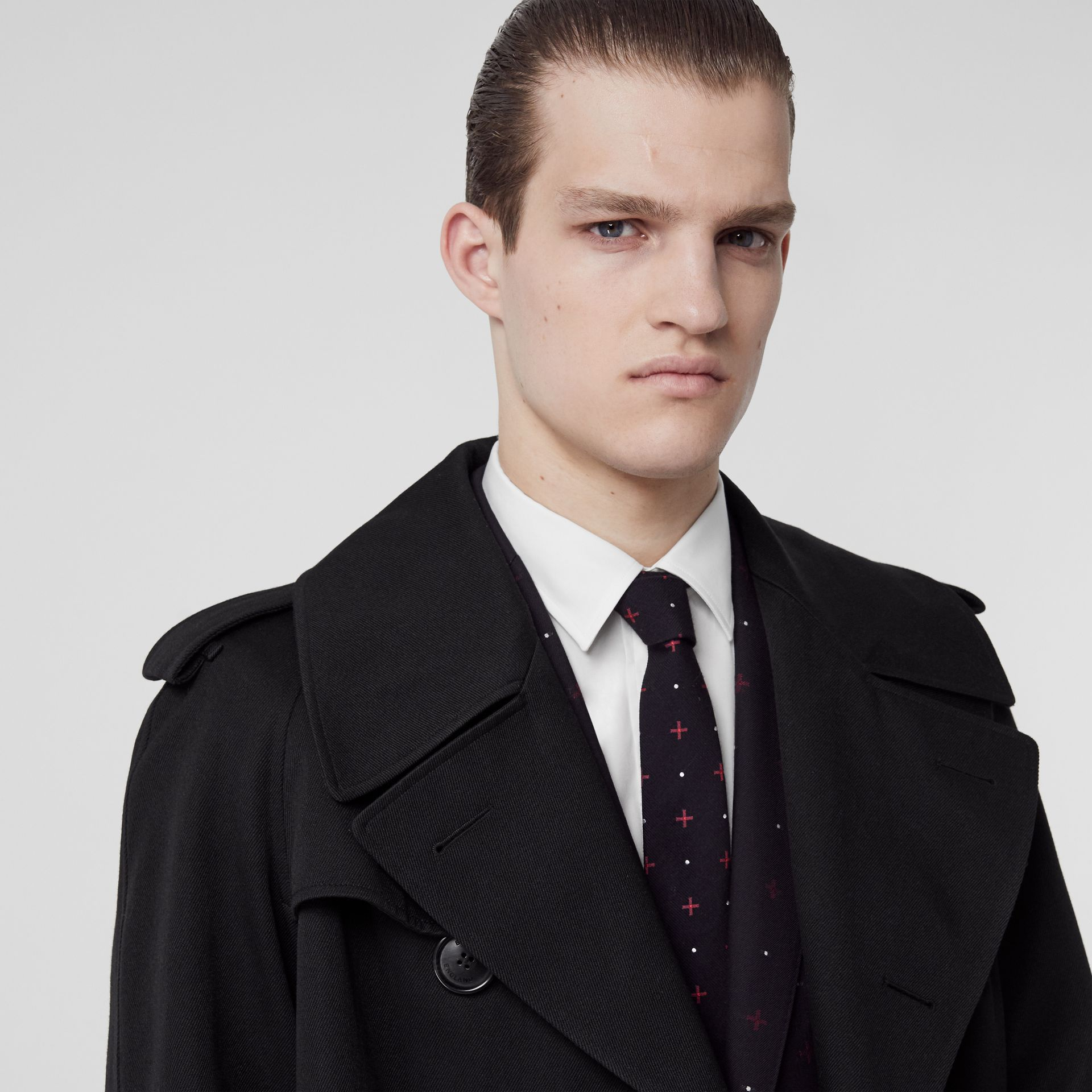 Classic Cut Graphic Silk Wool Jacquard Tie in Black - Men | Burberry United States - gallery image 2