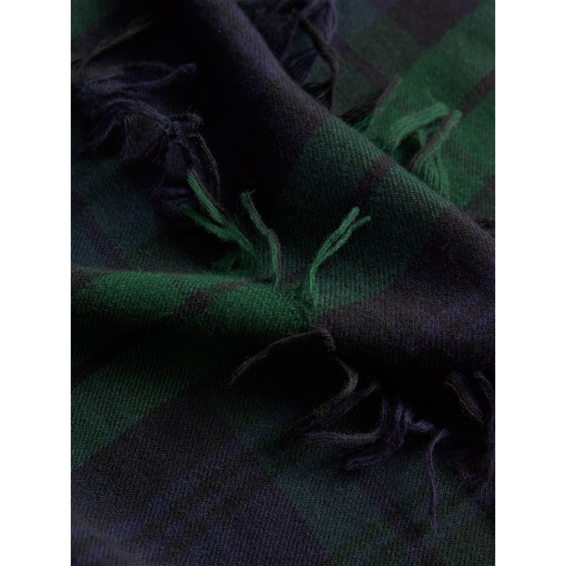 Fil Coupé Tartan Wool Cashmere Scarf in Bright Navy | Burberry - gallery image 2