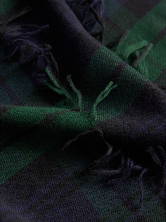 Fil Coupé Tartan Wool Cashmere Scarf in Bright Navy | Burberry - cell image 1