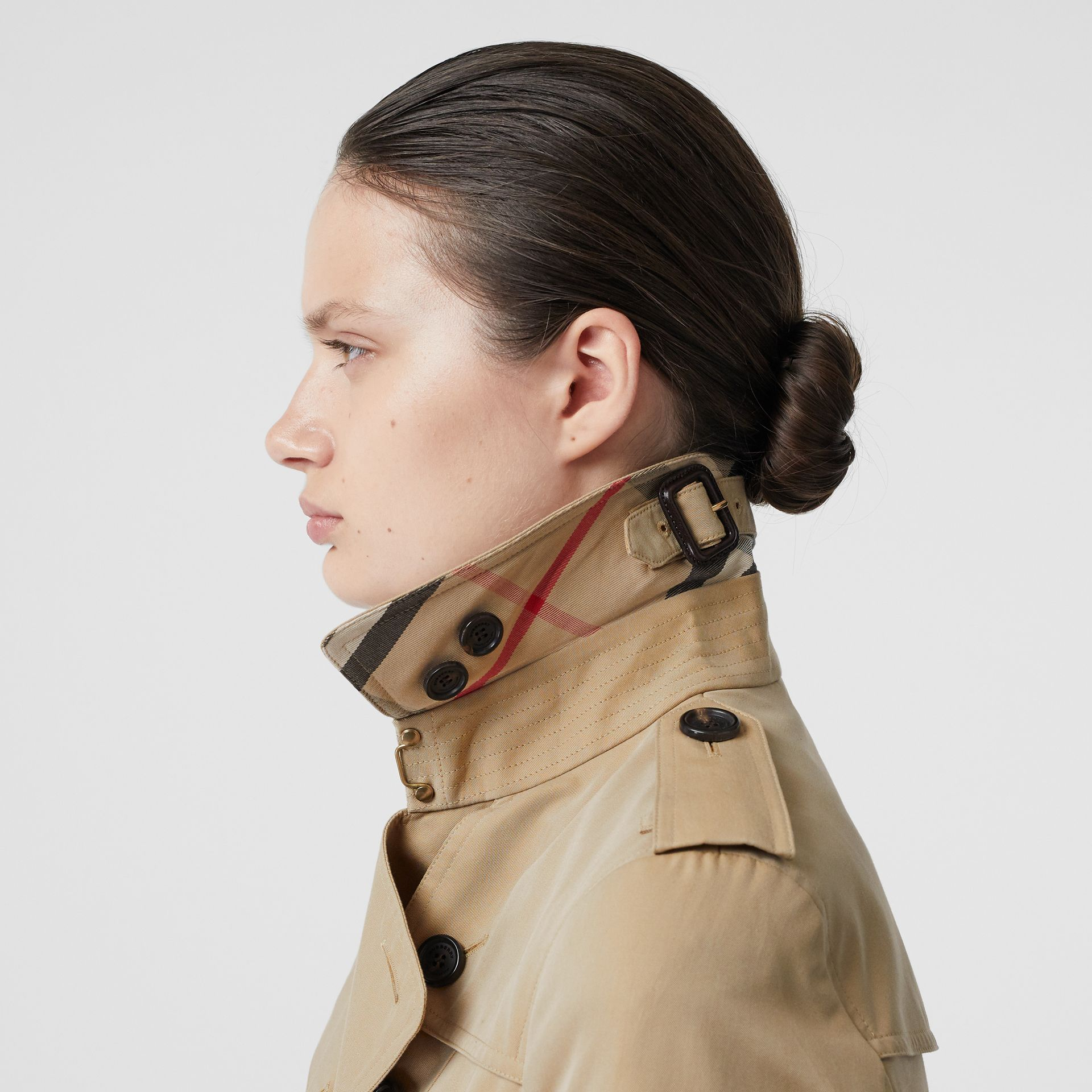 The Sandringham – Short Trench Coat in Honey - Women | Burberry - gallery image 1