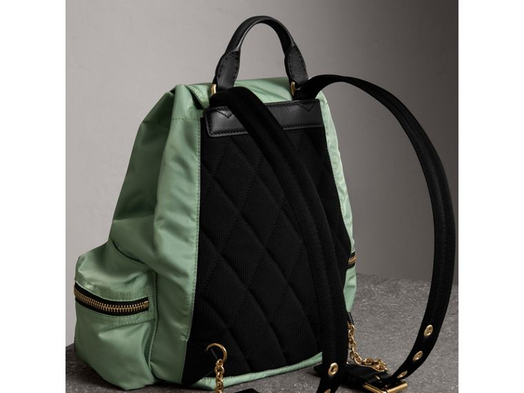 Zaino The Rucksack medio in nylon tecnico e pelle (Verde Mela) - Donna | Burberry - cell image 4