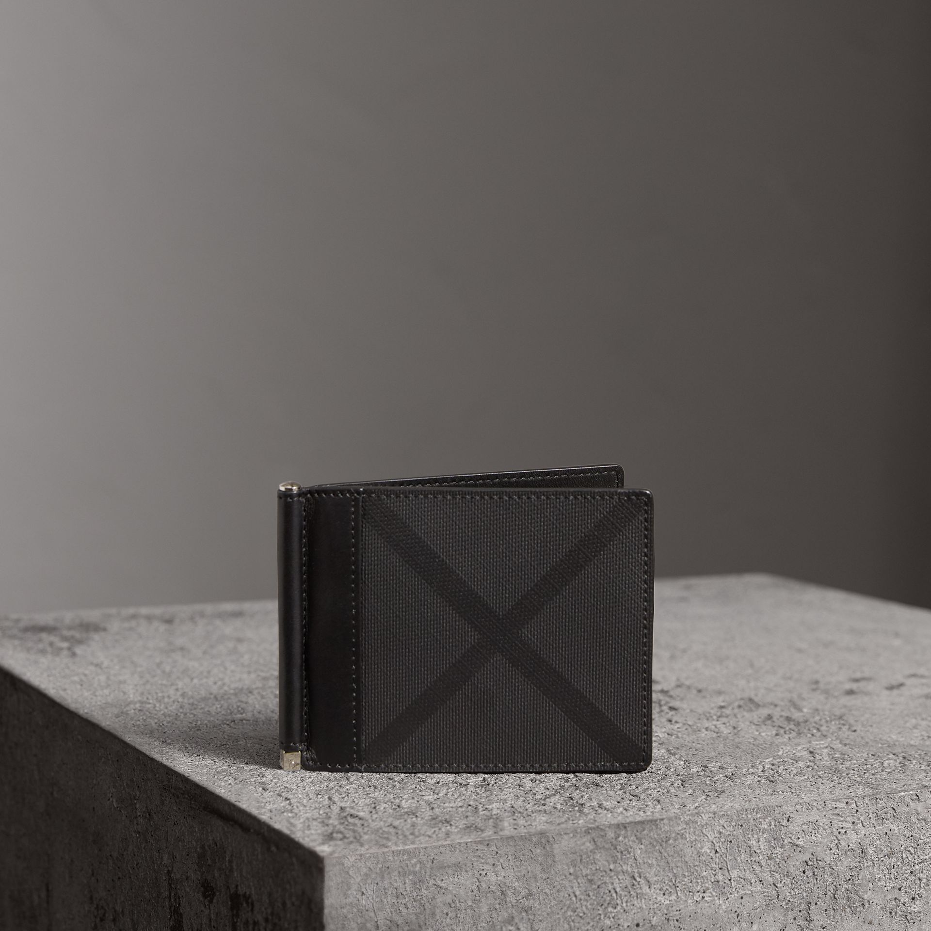 London Check Money Clip Wallet in Charcoal/black - Men | Burberry United Kingdom - gallery image 0