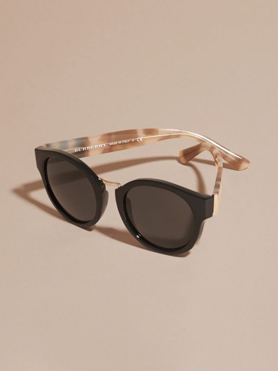 Check and Camouflage Detail Round Frame Sunglasses in Black - Women | Burberry Singapore - cell image 2