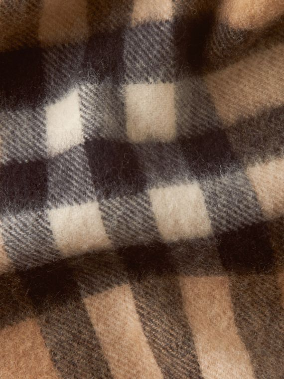 Camel check The Mini Classic Cashmere Scarf in Check Camel - cell image 3