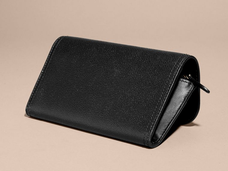 Grainy Leather Slim Continental Wallet in Black - Women | Burberry Australia - cell image 4