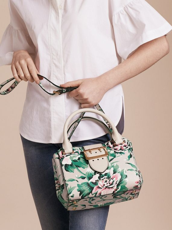 Natural/emerald green The Small Buckle Tote in Peony Rose Print Leather Natural/emerald Green - cell image 3