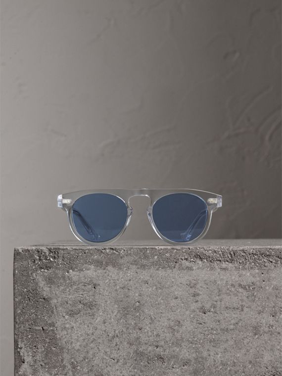 The Keyhole Round Frame Sunglasses in Crystal/blue | Burberry Singapore - cell image 3