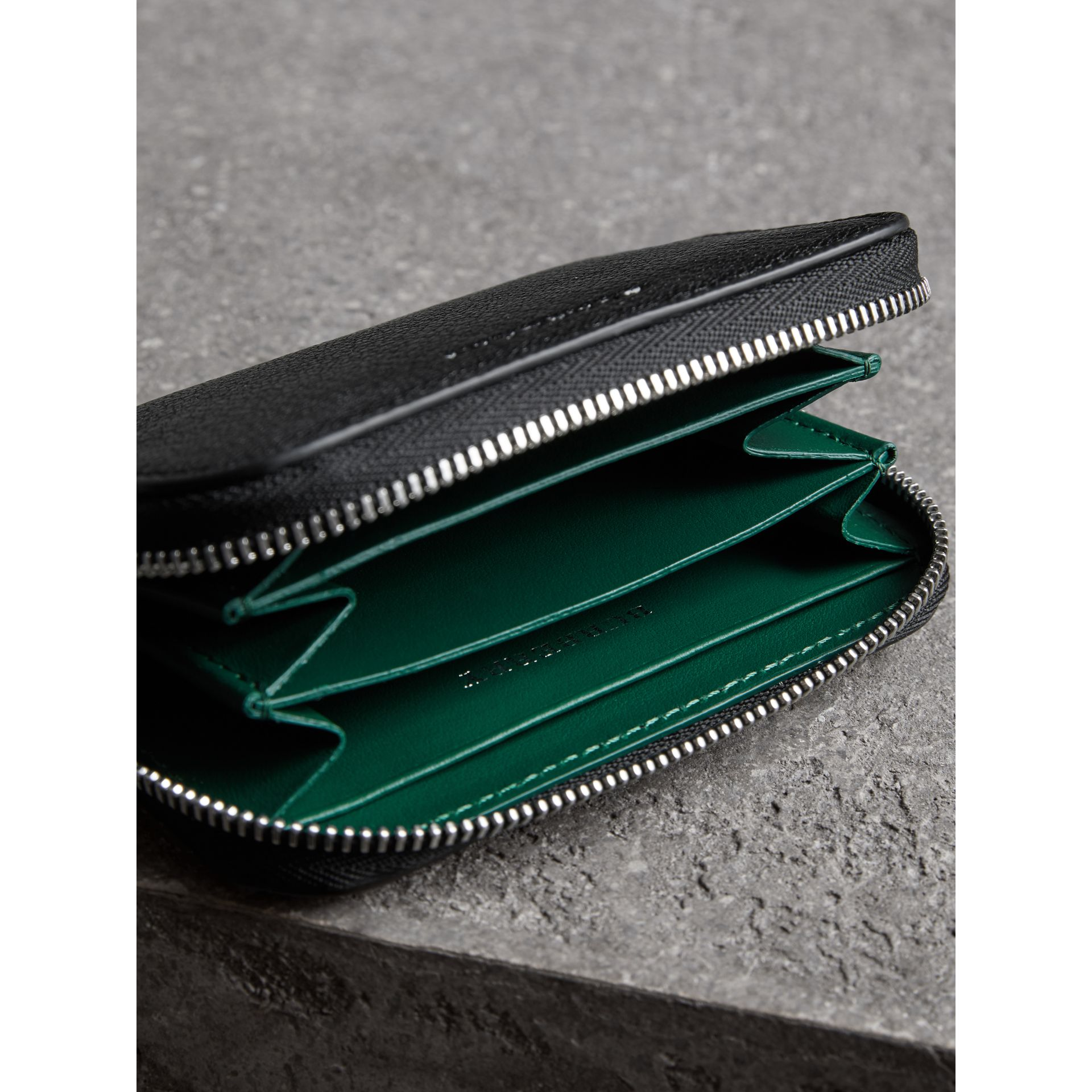 Link Detail Leather Ziparound Wallet in Black - Women | Burberry Australia - gallery image 3