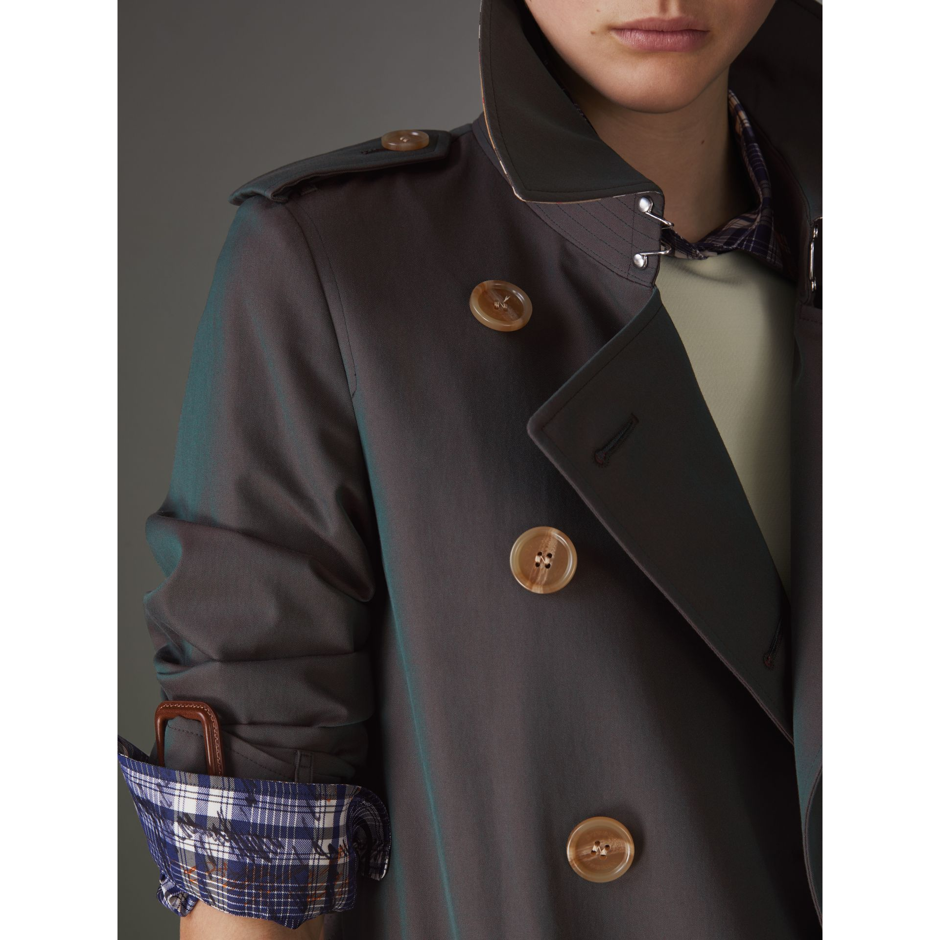 Tropical Gabardine Trench Coat in Dark Antique Green - Women | Burberry United States - gallery image 4