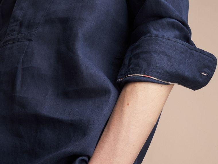 Bib Detail Linen Tunic Shirt in Navy - Men | Burberry Hong Kong - cell image 4