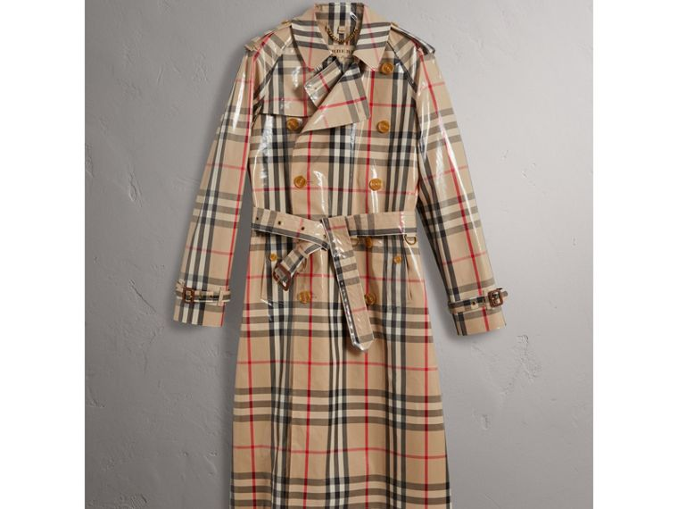 Trench coat in cotone laminato con motivo tartan (New Classic) - Uomo | Burberry - cell image 1