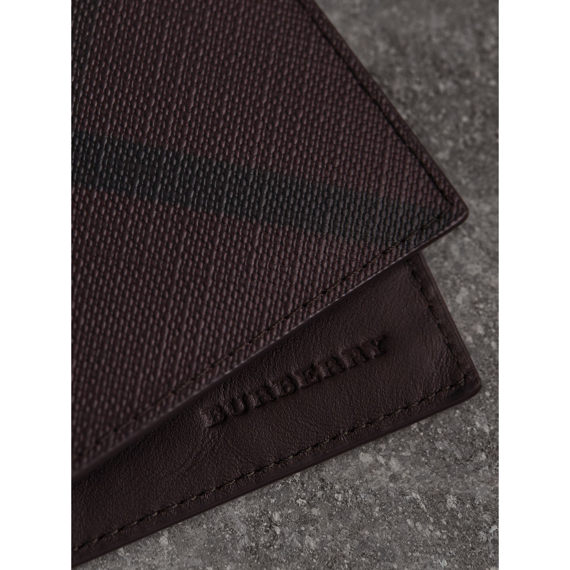 London Check Bifold Wallet in Deep Claret - Men | Burberry United Kingdom - gallery image 2
