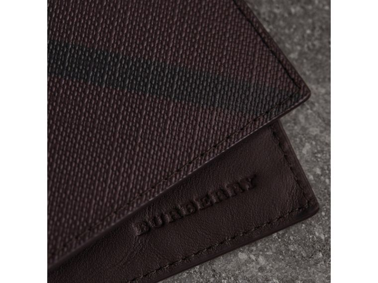 London Check Bifold Wallet in Deep Claret - Men | Burberry United Kingdom - cell image 1