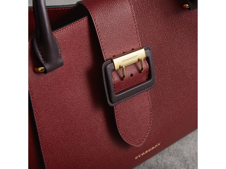 The Medium Buckle Tote in Two-tone Grainy Leather in Burgundy - Women | Burberry United States - cell image 1
