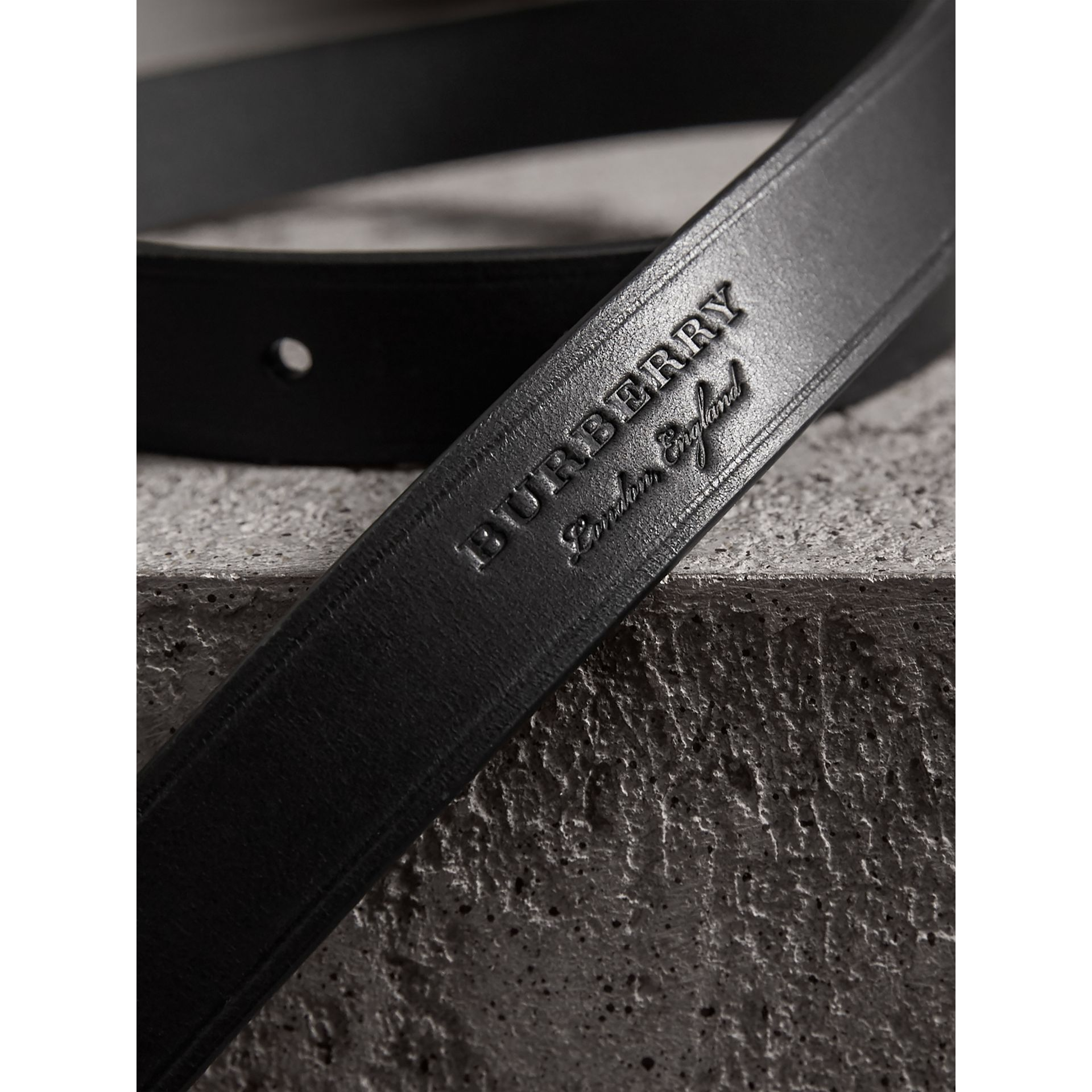 Brass Plaque Buckle Embossed Bridle Leather Belt in Black - Women | Burberry Canada - gallery image 1