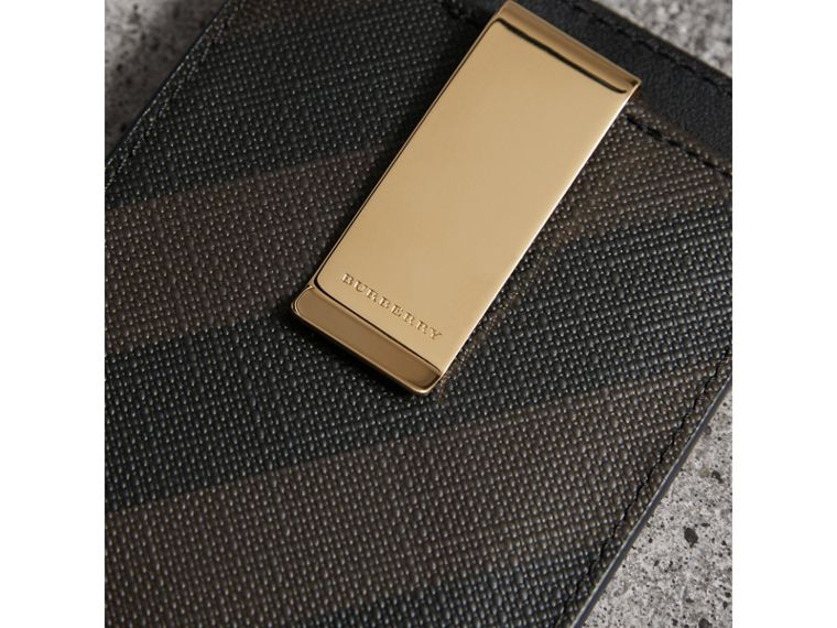 London Check Money Clip Card Case in Chocolate/black - Men | Burberry United States - cell image 1