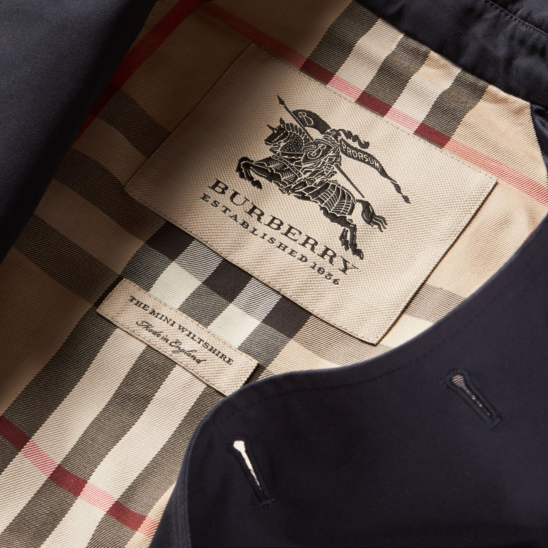 The Wiltshire – Heritage Trench Coat in Navy | Burberry Hong Kong - gallery image 8