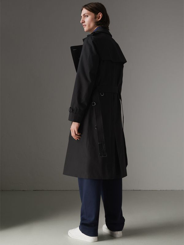 The Long Chelsea Heritage Trench Coat in Black - Men | Burberry United Kingdom - cell image 2