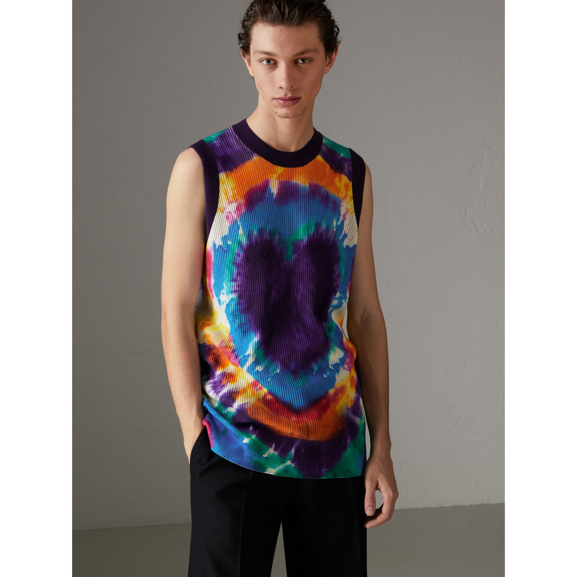 Tie-dye Print Cashmere Vest in Multicolour | Burberry Singapore - gallery image 4