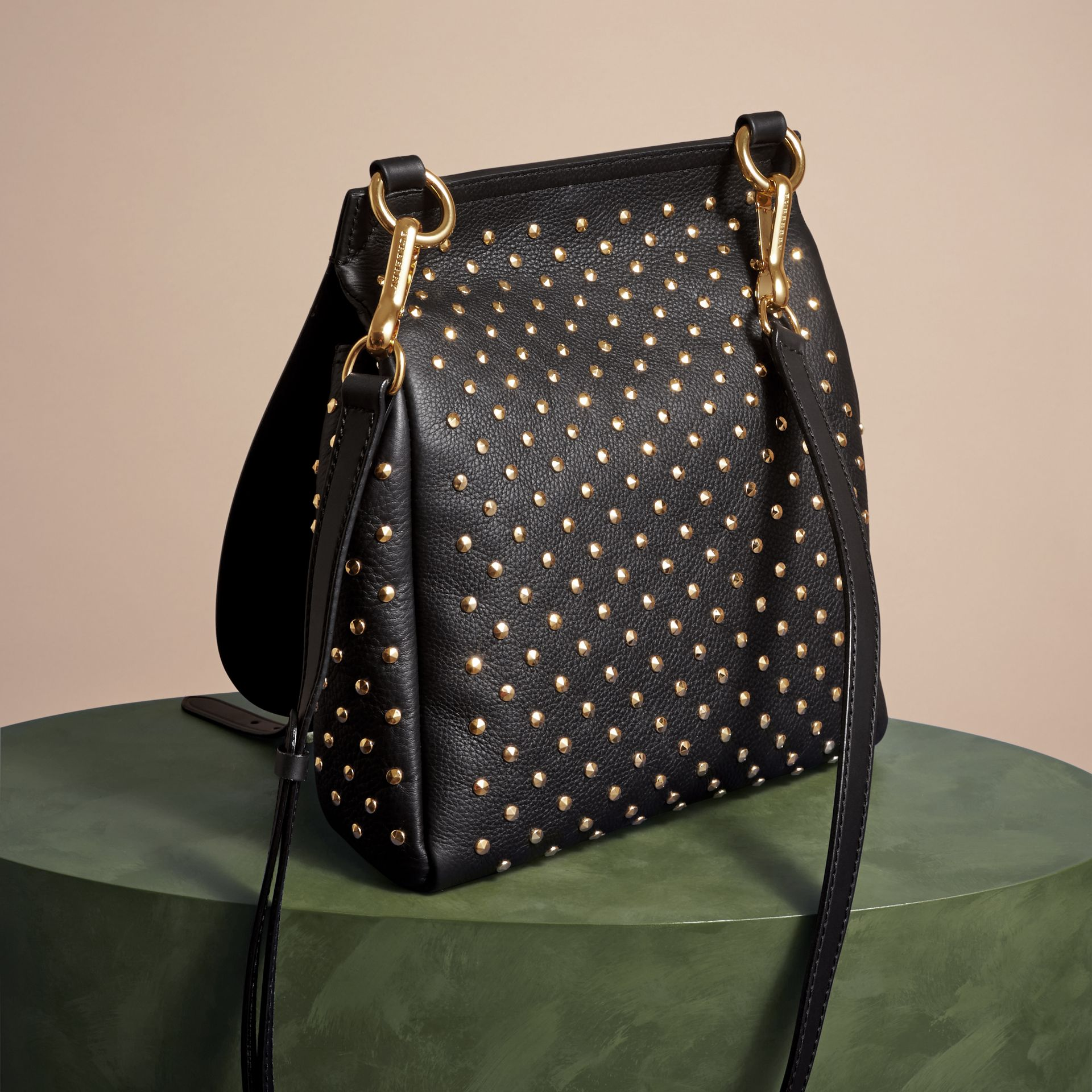 Noir Petit sac The Bridle en cuir à rivets - photo de la galerie 4
