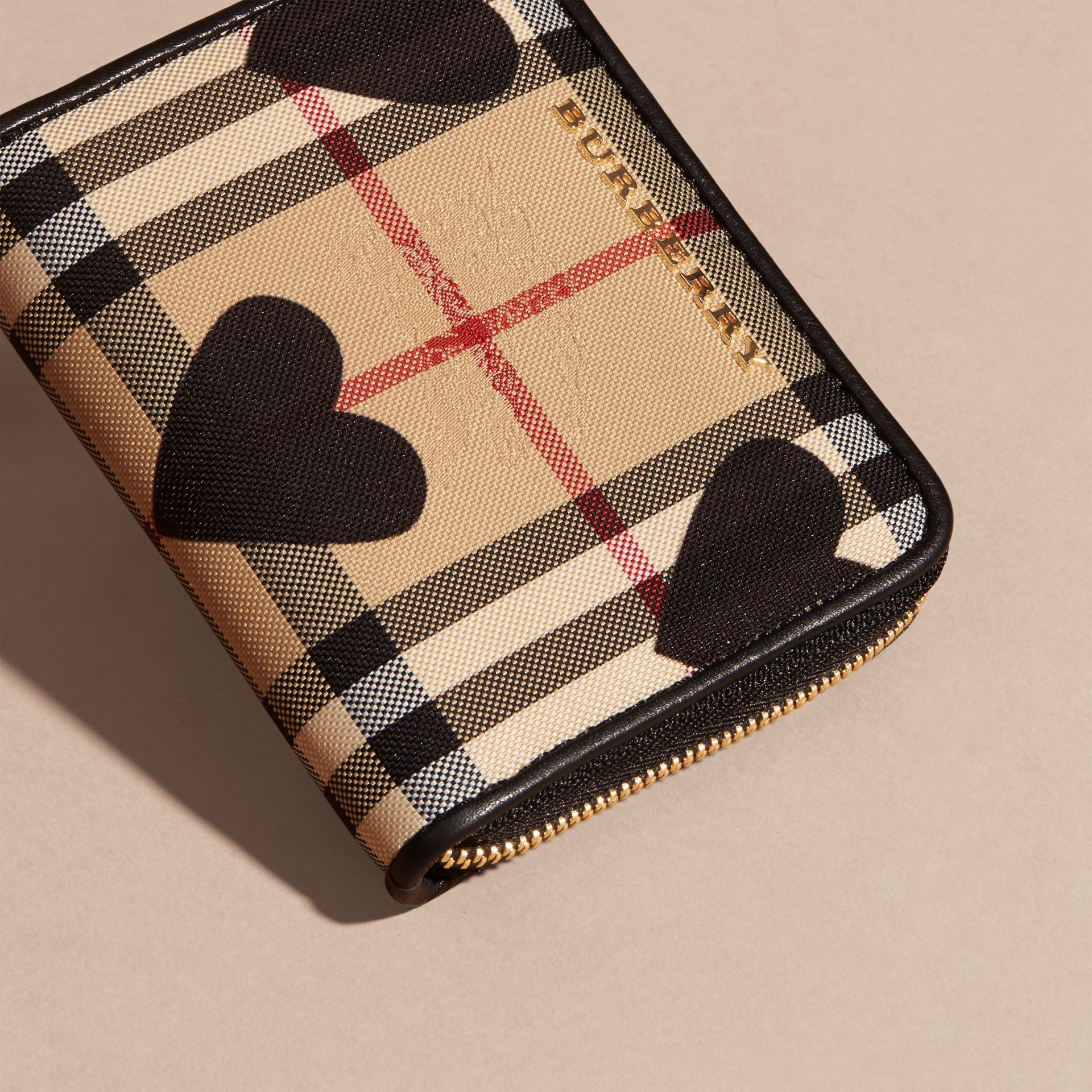Black Heart Print Horseferry Check Ziparound Wallet - gallery image 2