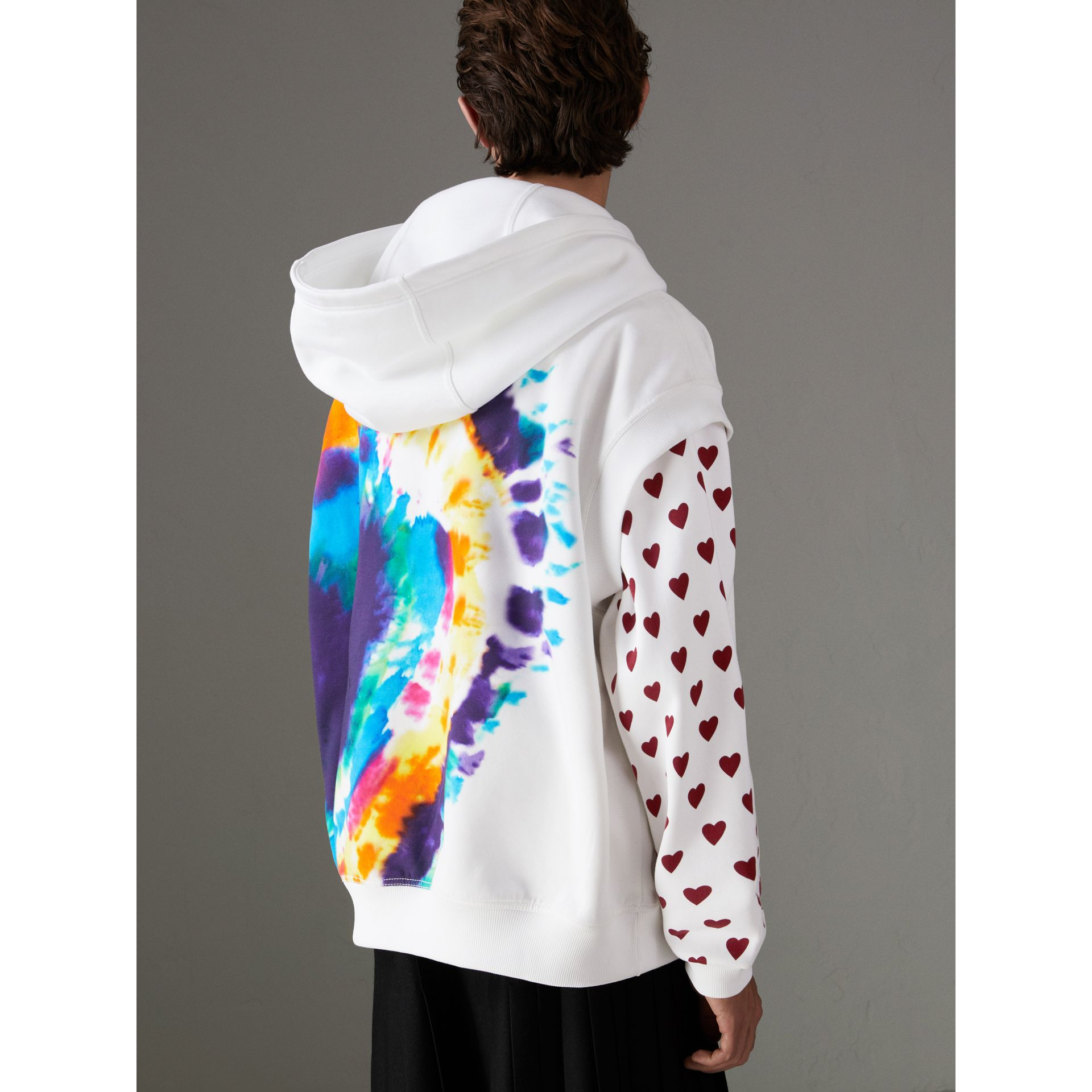 Tie-dye Print Sleeveless Hoodie in Multicolour | Burberry Australia - gallery image 2