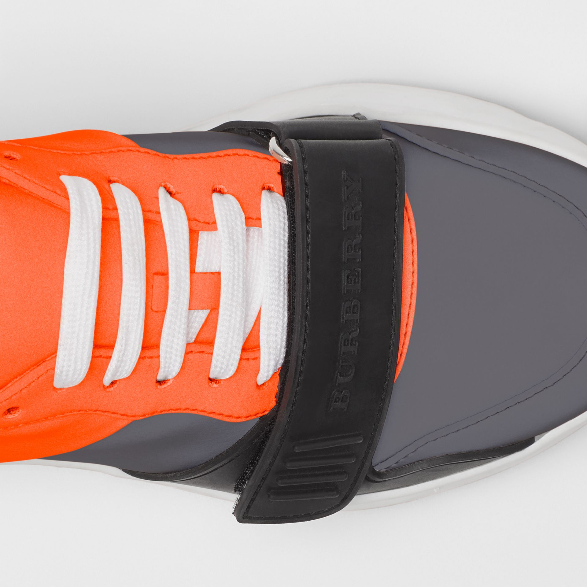 Sneakers color-block (Gris Argent/orange) - Femme | Burberry - photo de la galerie 1