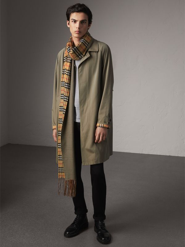 Long Reversible Vintage Check Double-faced Cashmere Scarf in Chalk Green | Burberry United States - cell image 3
