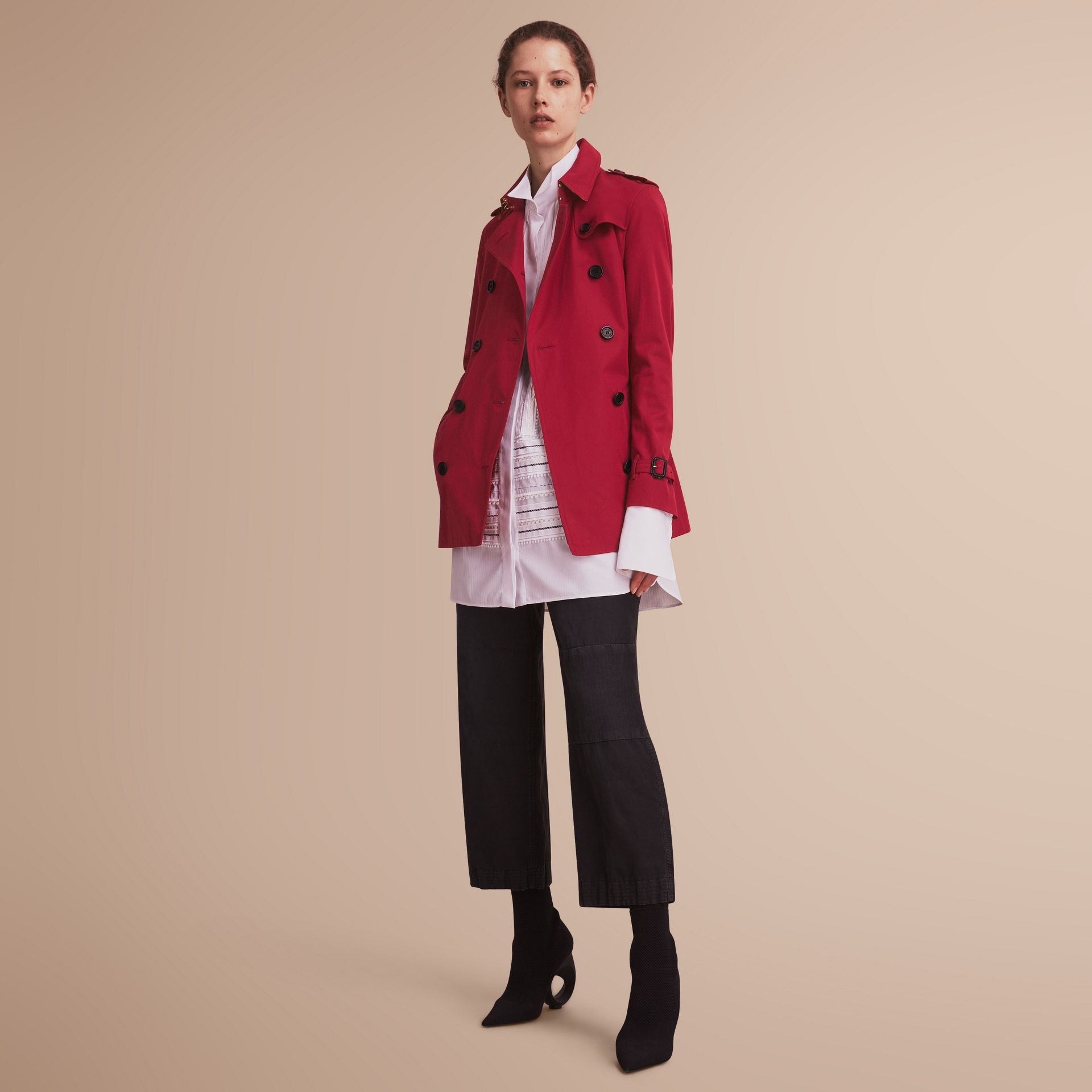 The Kensington – Short Heritage Trench Coat in Parade Red - Women | Burberry - gallery image 7
