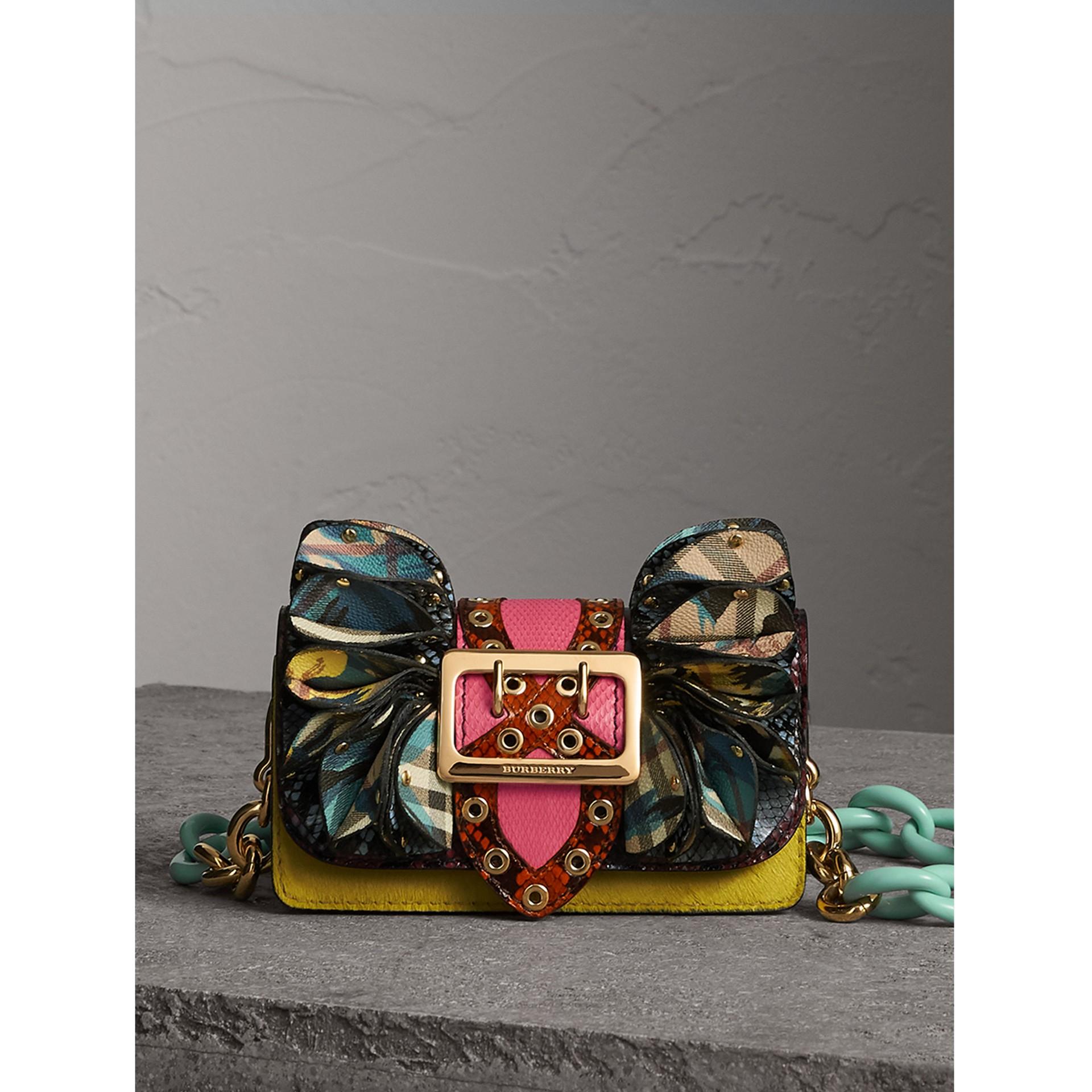 The Ruffle Buckle Bag aus Natternleder, Kalbfell und Check-Gewebe (Granatrosa) - Damen | Burberry - Galerie-Bild 1