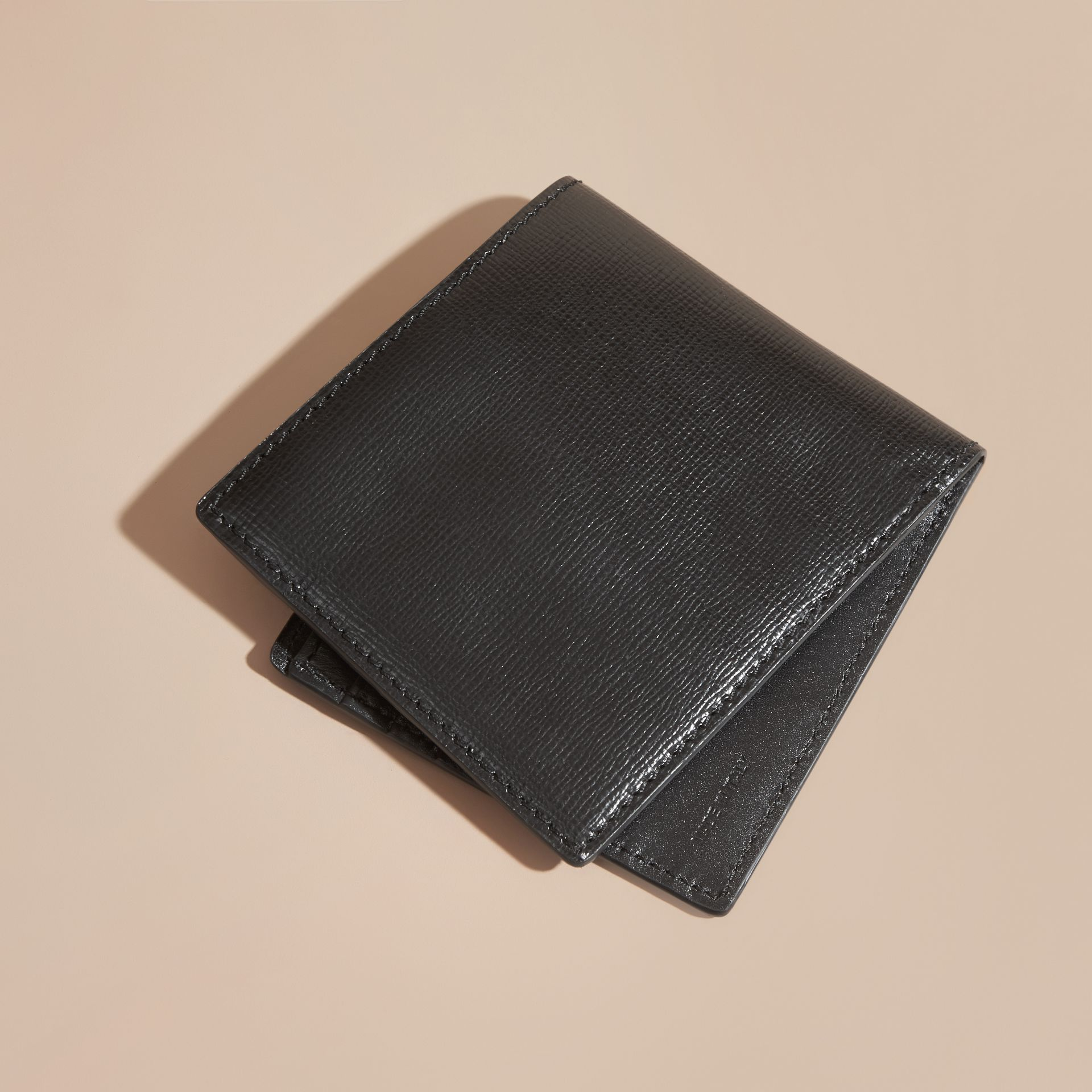 Black London Leather Folding Wallet Black - gallery image 3