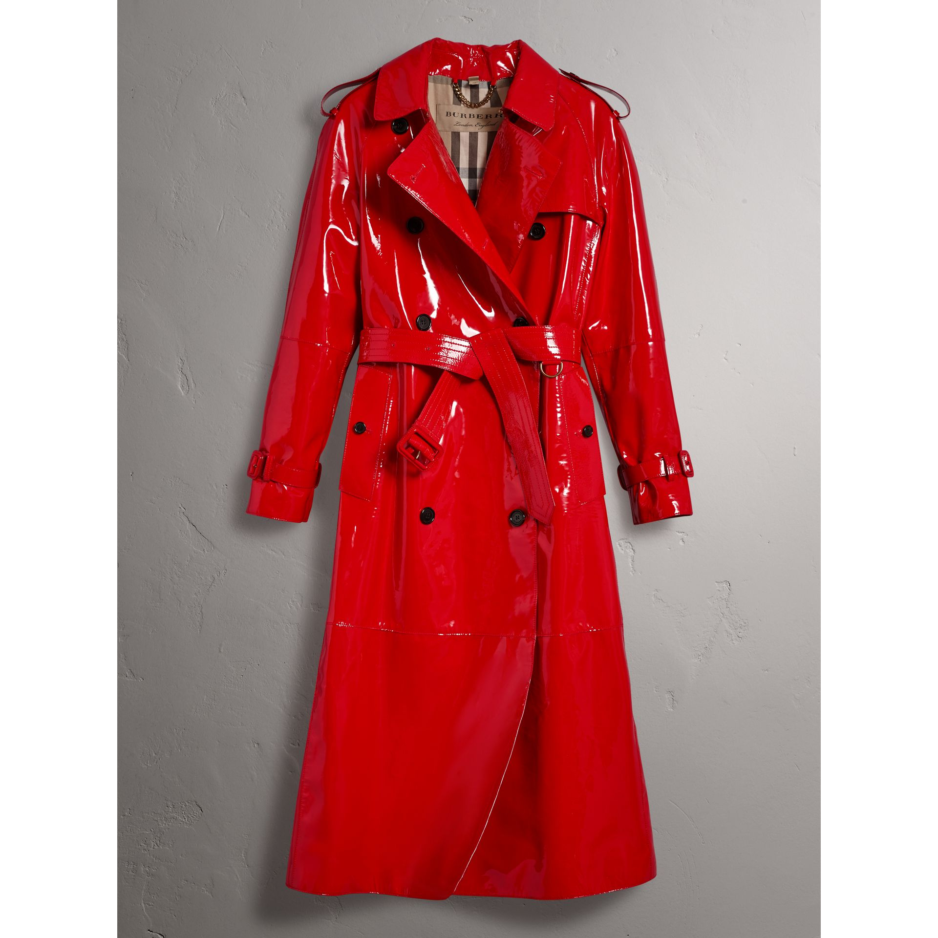 Raglan-sleeve Patent Lambskin Trench Coat in Parade Red - Women | Burberry United Kingdom - gallery image 4