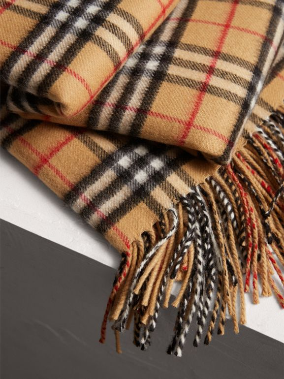 Vintage Check Cashmere Blanket in Antique Yellow | Burberry Australia - cell image 1