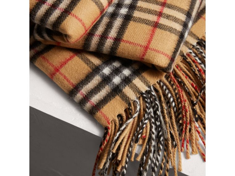 Vintage Check Cashmere Blanket in Antique Yellow | Burberry United Kingdom - cell image 1